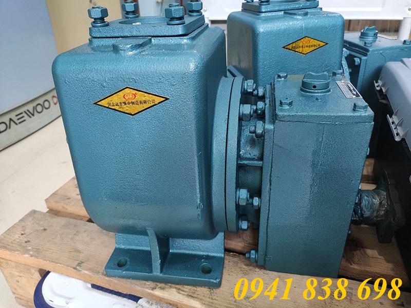 Bơm nước 40m3/h xe phun nước rửa đường