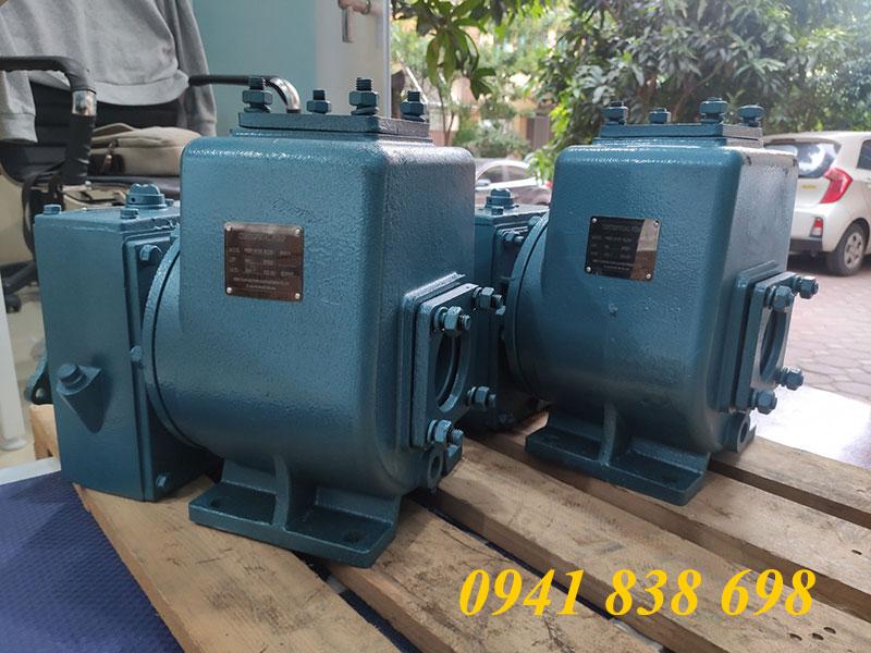 bơm nước 40m3/h xe phun nước