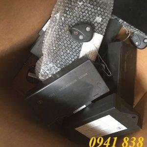 hộp điều khiển cánh cửa xe shacman